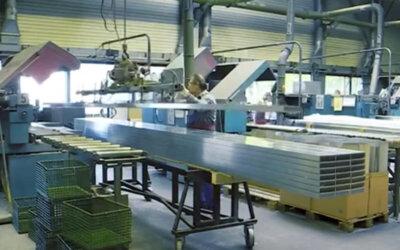 Przenoszenie długich profili aluminiowych