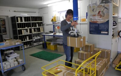 Przenoszenie i inspekcja kartonów